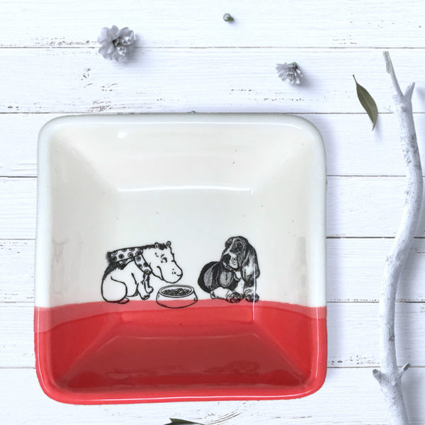 square red bowl with drawing of a bassset hound